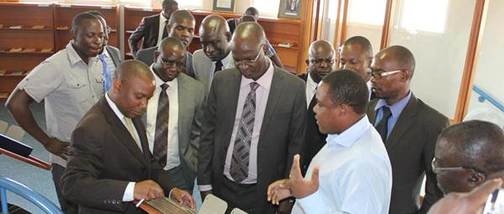 Minister of Higher and Tertiary Education, Science and Technology Development Prof. Jonathan Moyo tour of the Library
